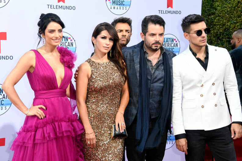 familia derbez eugenio aislinn latin amas 2019 gettyimages 1181746134