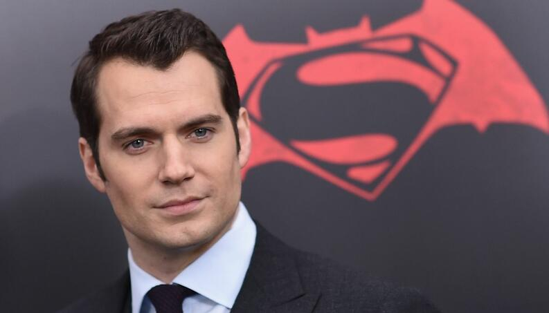 henry cavill batman v superman estreno 2016