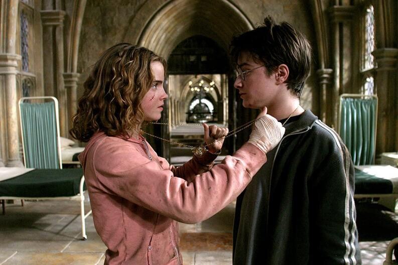 hermione y harry potter giratiempo
