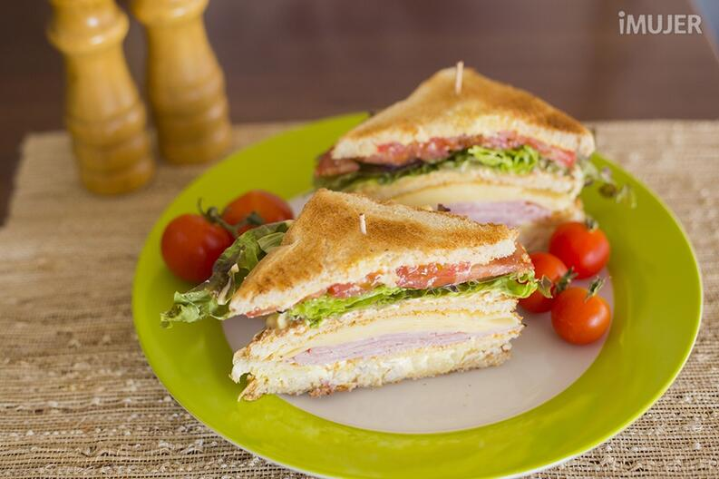 Sandwich club de pollo 6