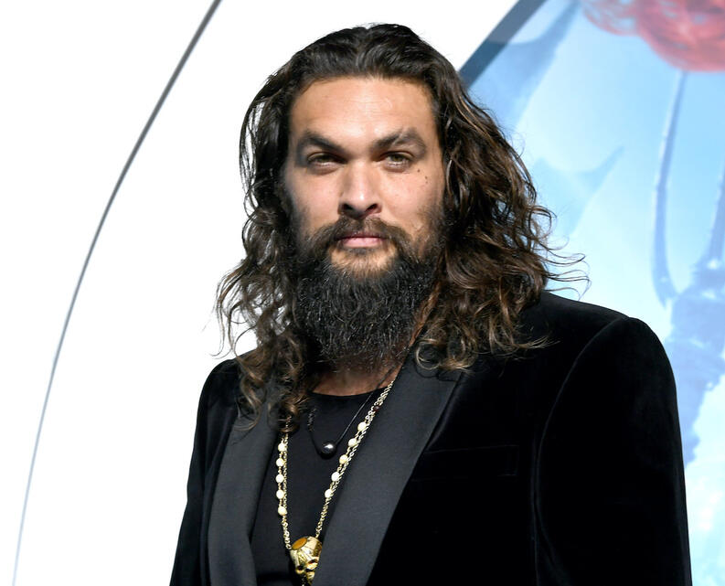 jason momoa cabello largo actor aquaman