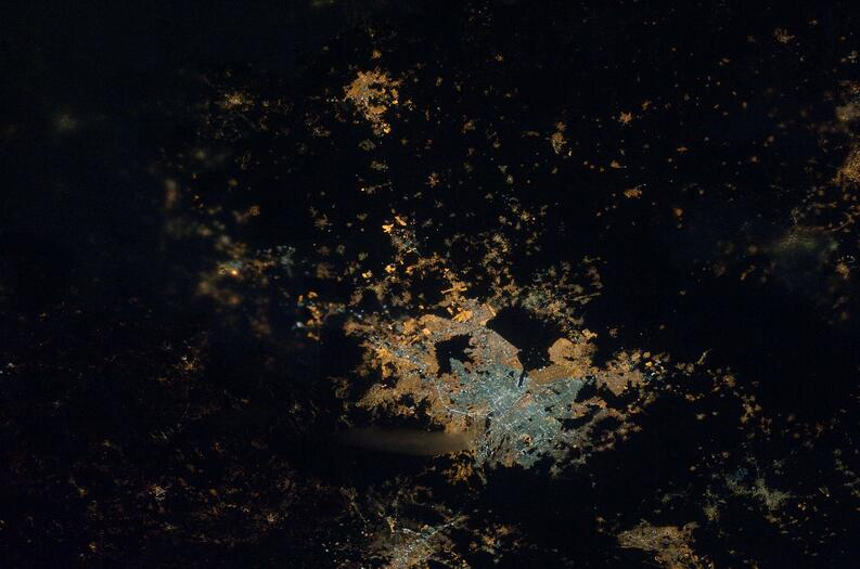 mexico city at night foto nasa estacion espacial internacional 2011 0652031