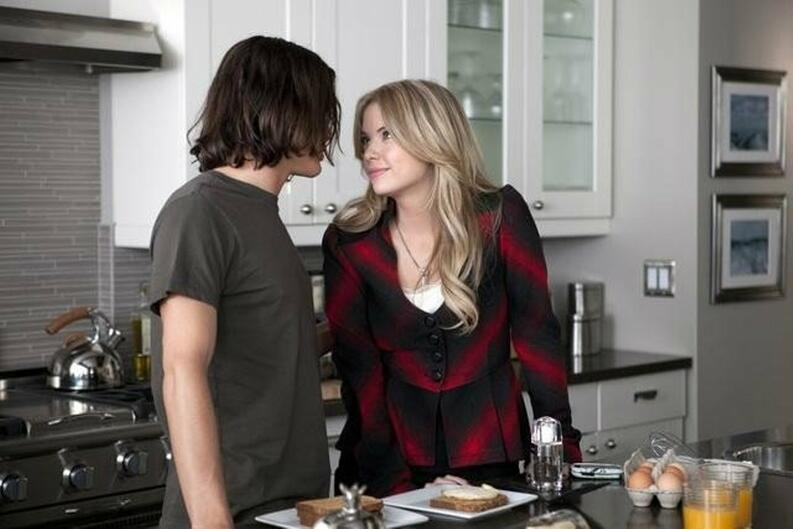 pareja hanna caleb pretty little liars