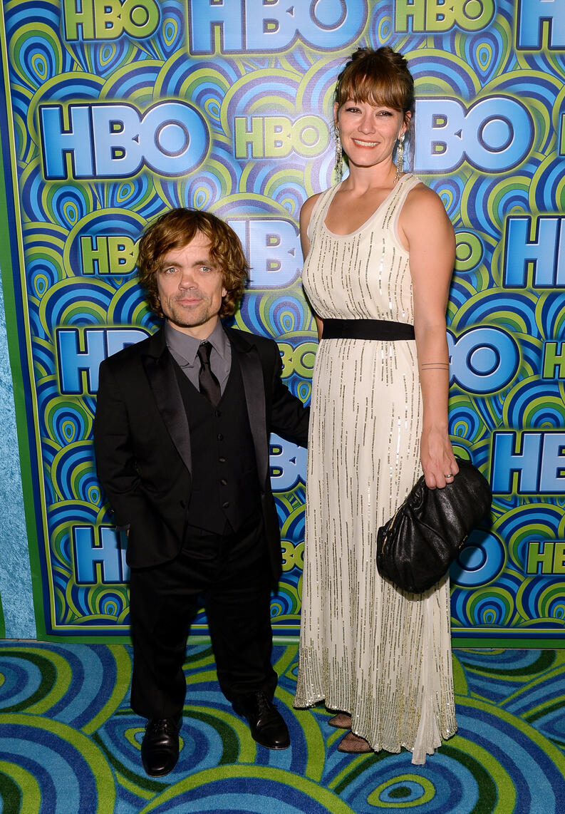 peter dinklage y erica schmidt hbos annual primetime emmy awards post award reception 2013