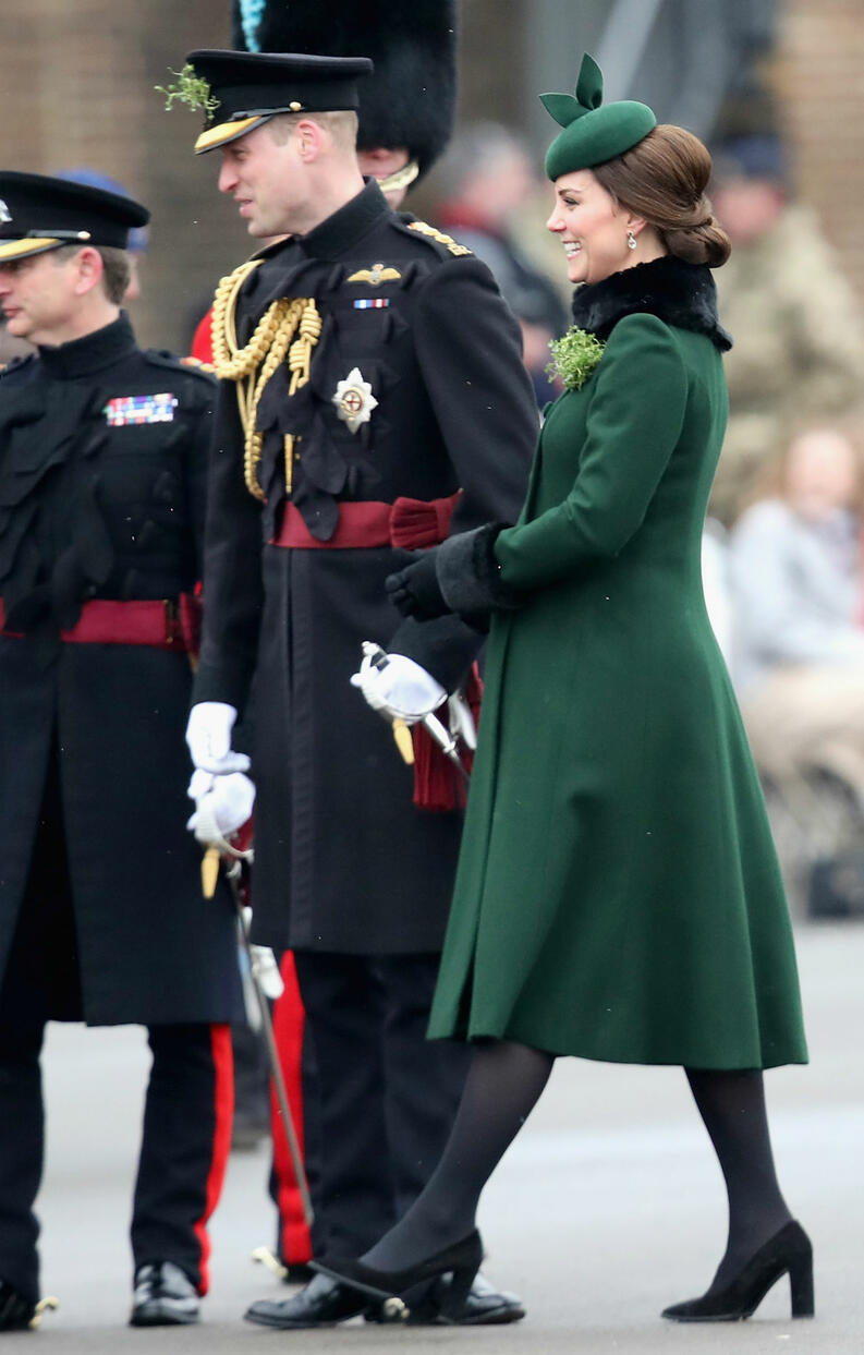 kate middleton principe willian 1218 1400x2200