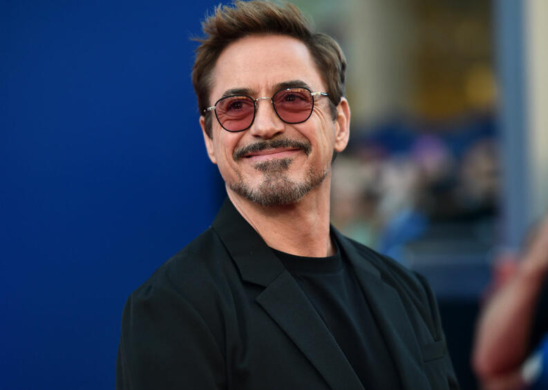robert downey jr 1218 1400x1000